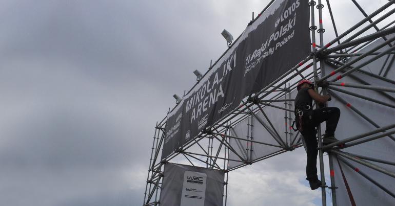 Montaż, demontaż nośników reklam - prace-wysokosciowe-seguro-lodz-warszawa-poznan-wroclaw
